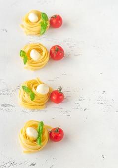 Pasta fettuccine cruda