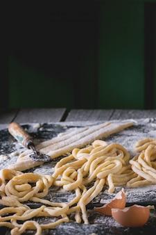 Pasta fresca casera pici