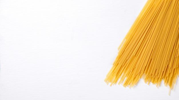 Pasta seca spagetti hecha de durum