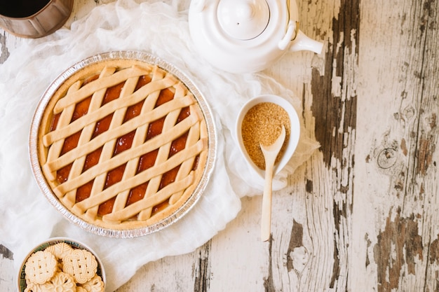 Pastel y azúcar moreno