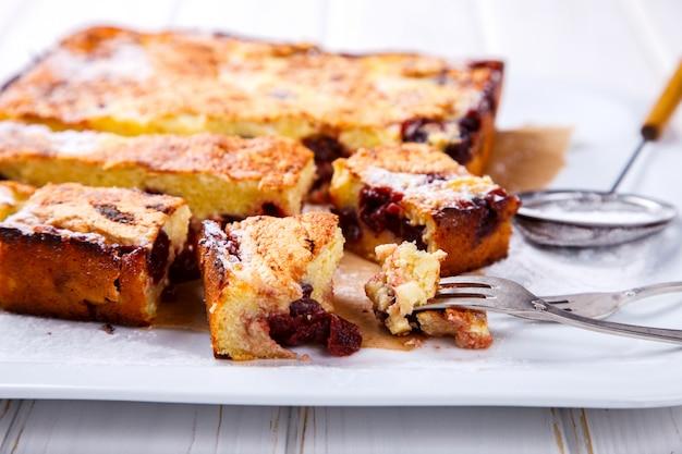 Pastel de cereza. tartas con queso