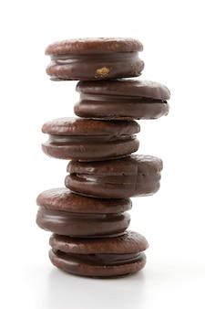 Pastel de chocolate suave con malvavisco