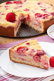 Pastel francés con fresas