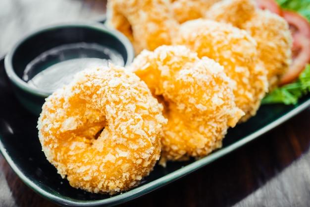 Pastel de gambas o camarones fritos