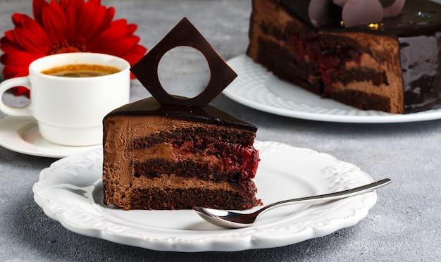 Pastel de helado de chocolate casero