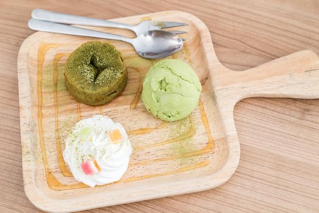 Pastel de lava de té verde