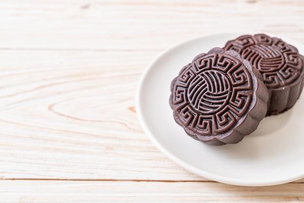 Pastel de luna chino con sabor a chocolate negro para el festival del medio otoño