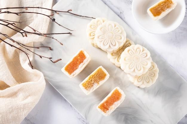 Pastel de luna de hielo del festival del medio otoño