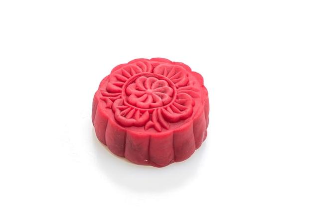Pastel de luna sabor terciopelo rojo aislado en blanco