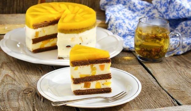 Pastel de mango cremoso
