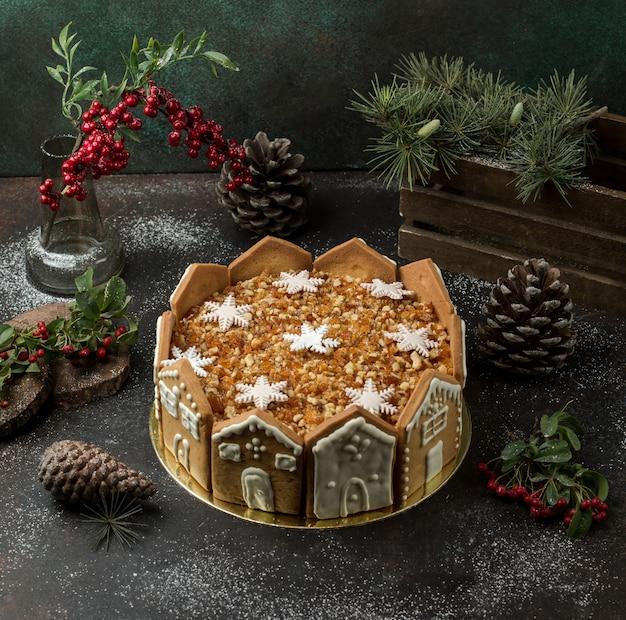 Pastel de miel sobre la mesa