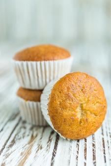 Pastel de muffin de banano