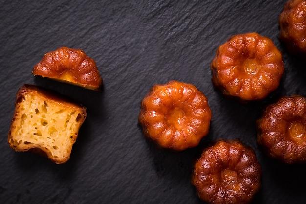 Pastelería francesa ron canele y sabor a vainilla