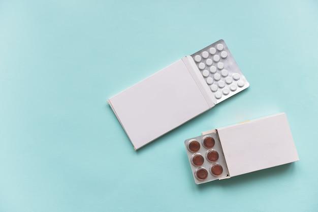 Pastillas en cajas de papel