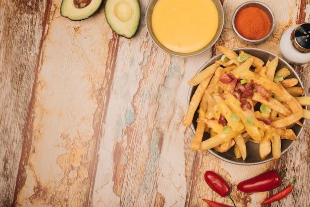 Patatas fritas y queso