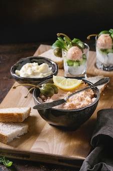 Paté de salmón con caviar rojo