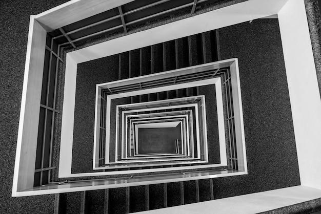 Patrón de escalera cuadrada