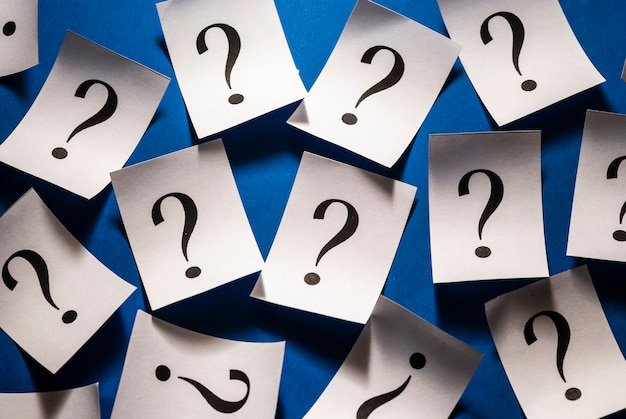 Patrón de fondo de signos de interrogación impresos