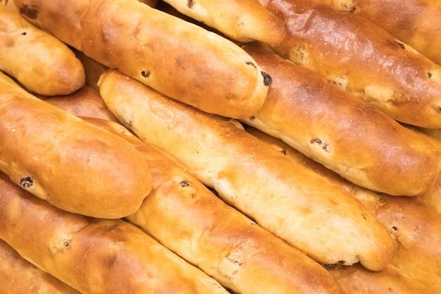 Patrón de pasas de pan fresco.