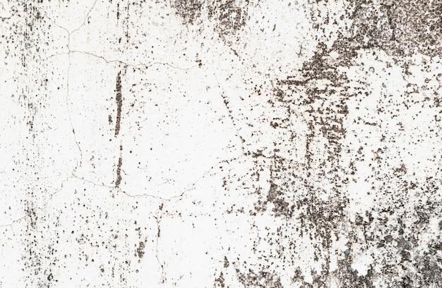 Patrón sucio cubierto con superficie de cemento.