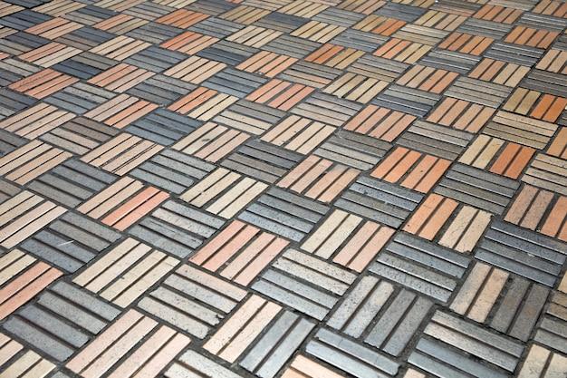Pavimento de placas de piedra