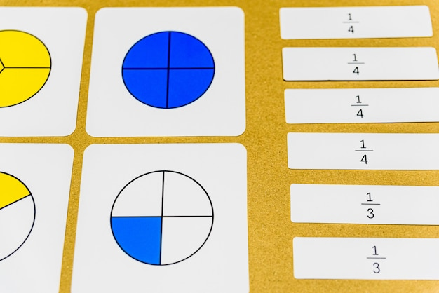 En la pedagogía montessori, las matemáticas se pueden enseñar de diversas maneras en el aula.