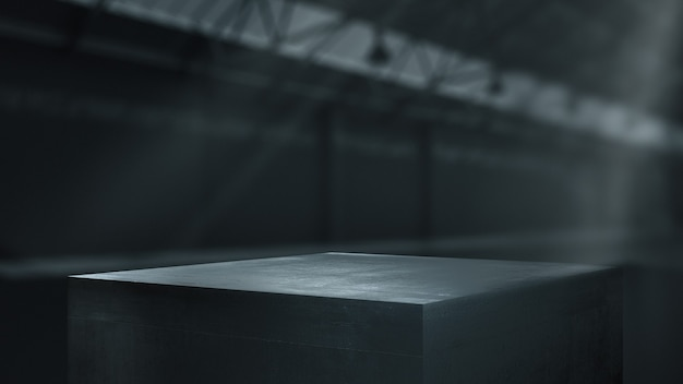 Pedestales metálicos para exhibición de productos en almacén.