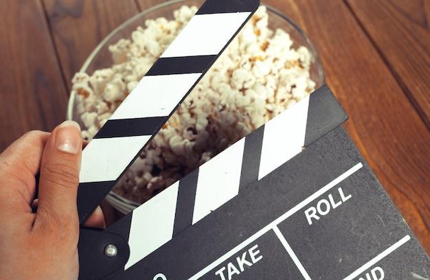 Película clapper board en palomitas de maíz