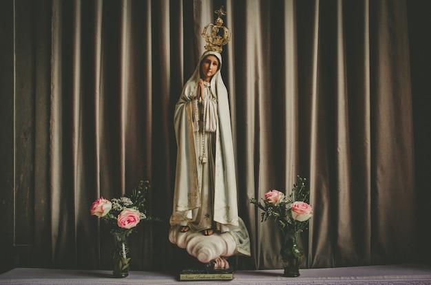 Pequeña estatua de maria magdalena