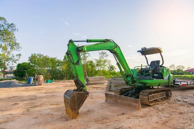 Pequeñas excavadoras