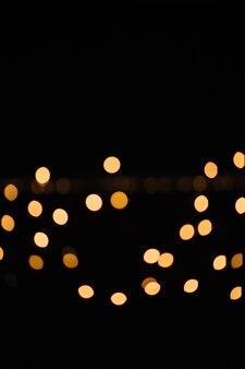 Pequeñas manchas de luces de guirnalda