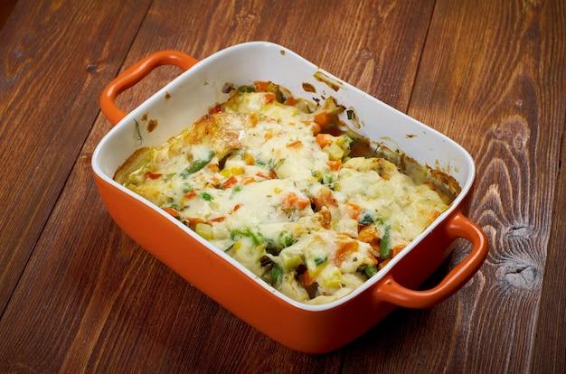 Perca campestre estilo granja con verduras al horno