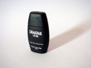Perfume noir drakkar