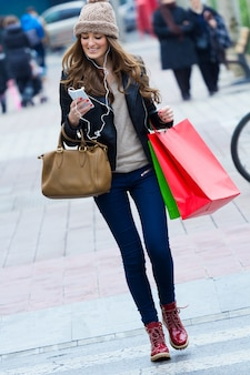 Persona linda mercado de moda casual