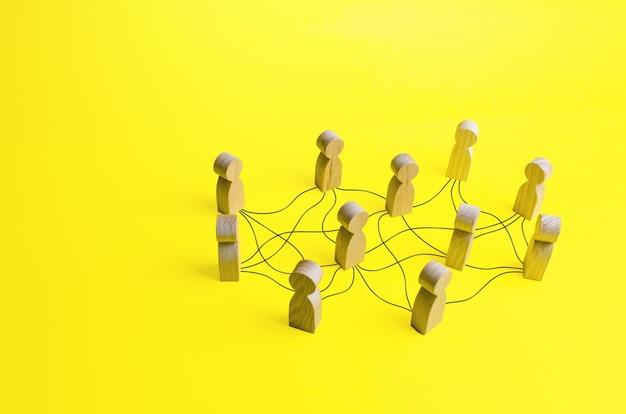 Personas conectadas por una red de líneas. comunicación, construcción de relaciones comerciales.