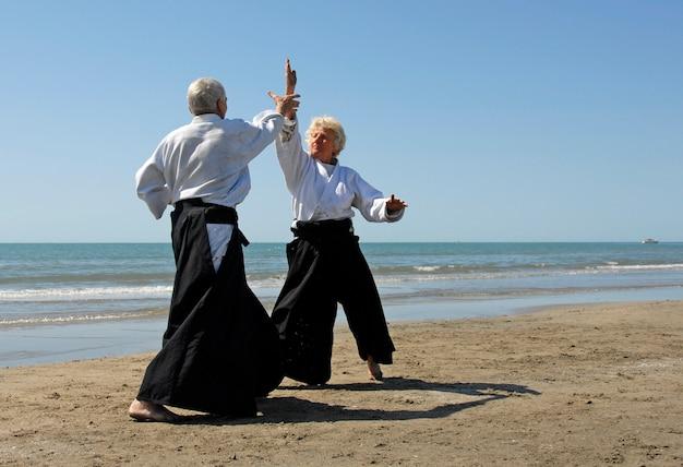 Personas mayores en aikido