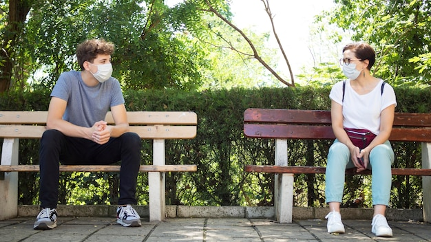 Personas que mantienen distanciamiento social
