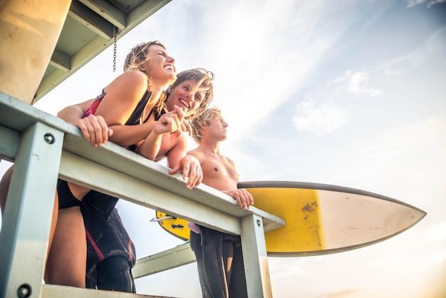 Personas surfistas