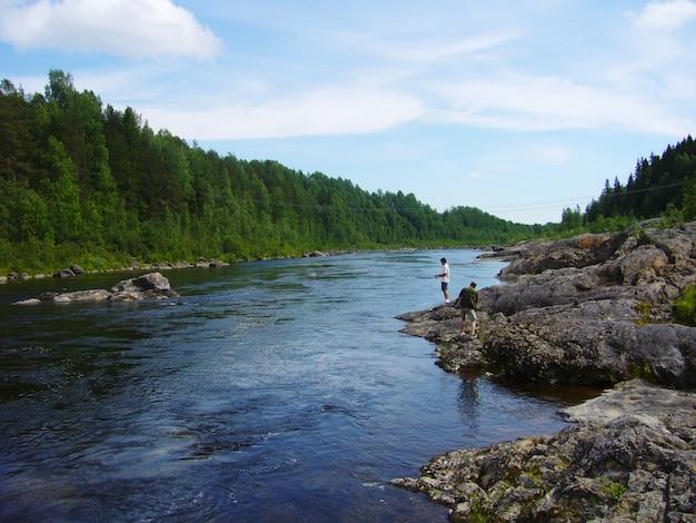 Pesca por el rio