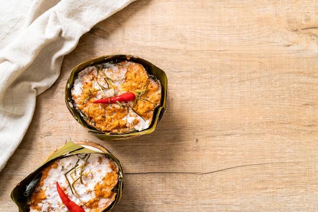 Pescado al vapor con pasta de curry