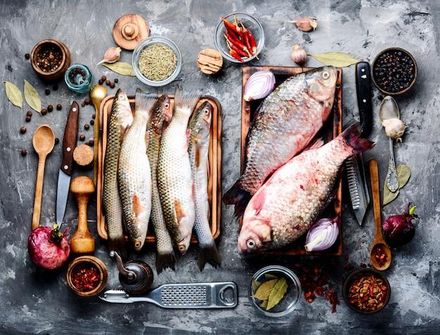 Pescado e ingredientes frescos