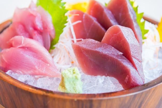 Pescado fresco de sashimi crudo