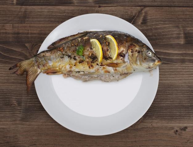Pescado frito en placa
