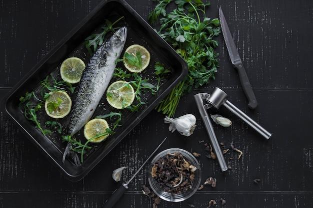 Pescado con limón y perejil
