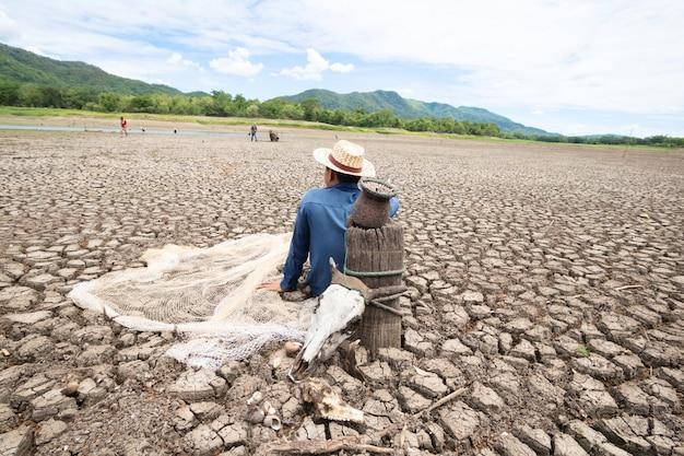 Los pescadores no pueden pescar debido a la sequía