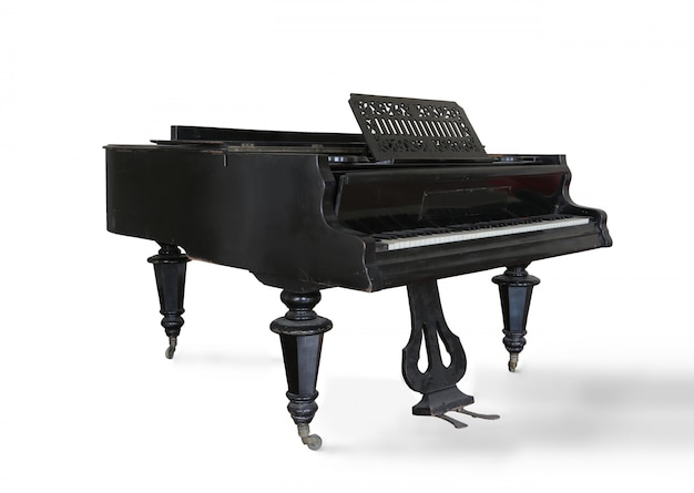 Piano clásico en negro