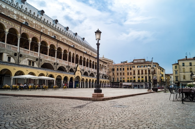 Piazza delle erbe, padua, italia