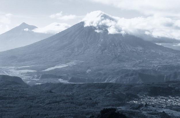 Pico nublado