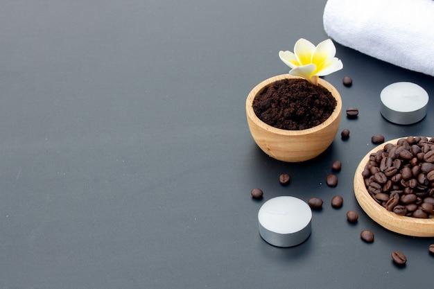 Piel saludable. exfoliante de café para spa