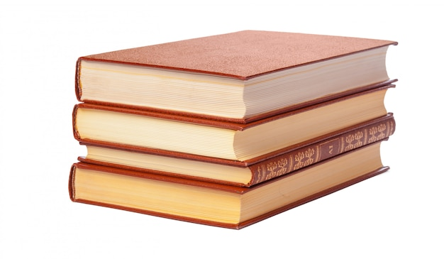 Pila de libros aislados